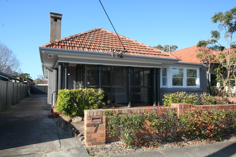 7 Stewart Avenue HAMILTON EAST NSW 2303