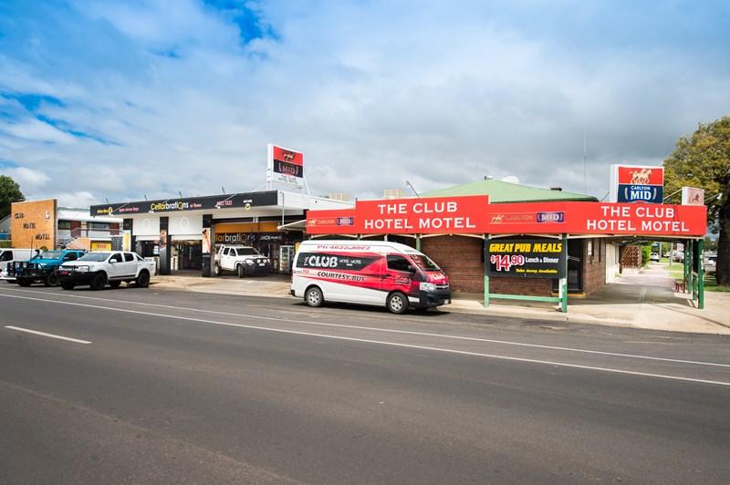 42 McDowall Street ROMA QLD 4455