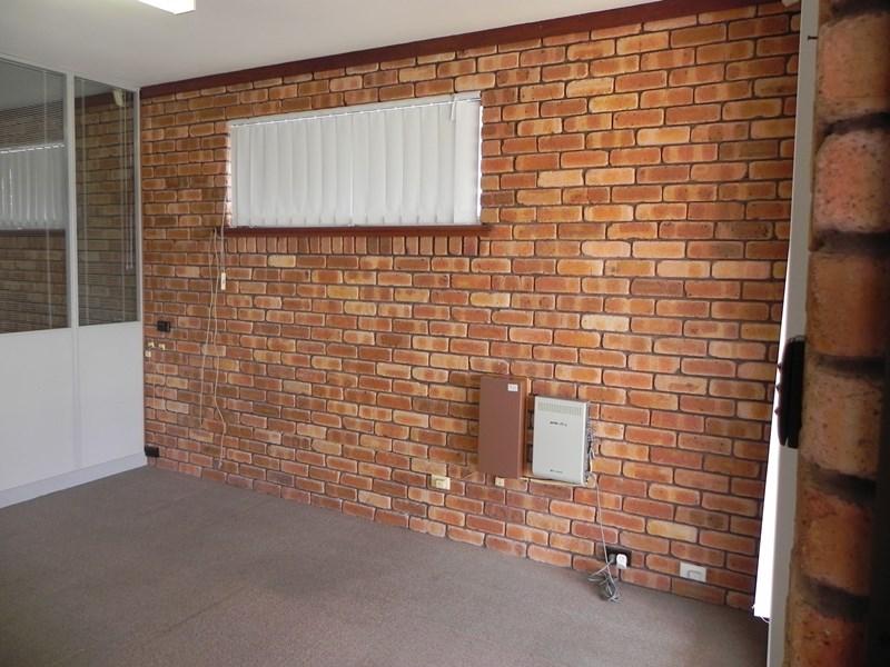 Unit 2, 89 North Lake Road MYAREE WA 6154