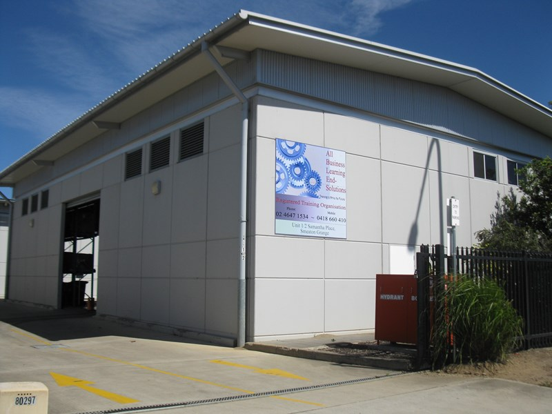 1/2 Samantha Place SMEATON GRANGE NSW 2567