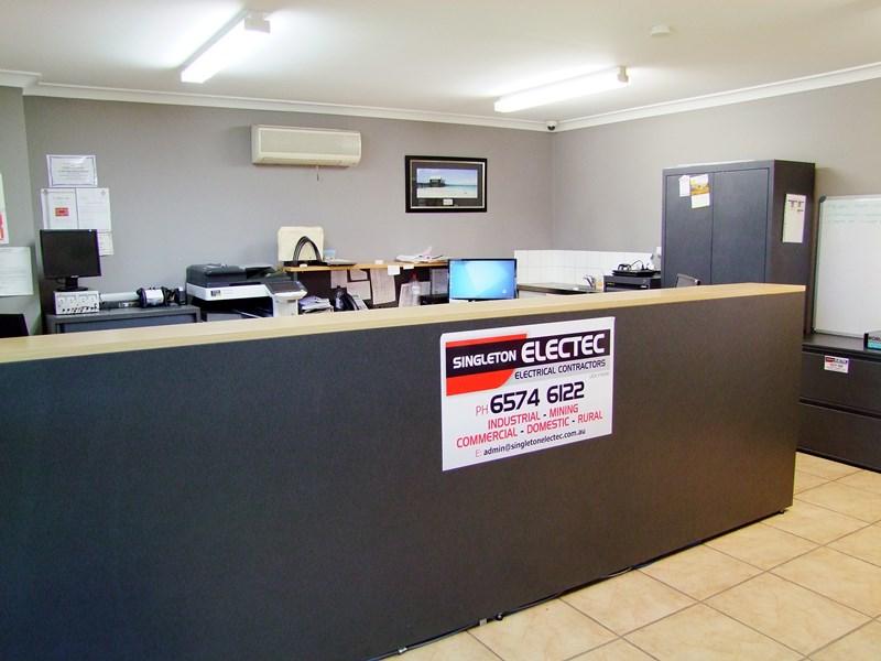 2/15 Thrift Close SINGLETON NSW 2330