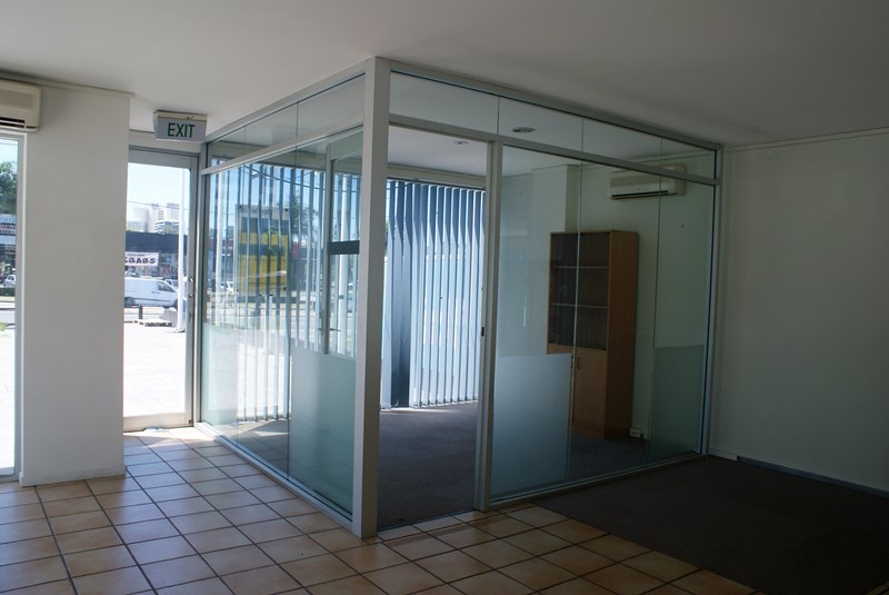 17 Ferry Road SOUTHPORT QLD 4215