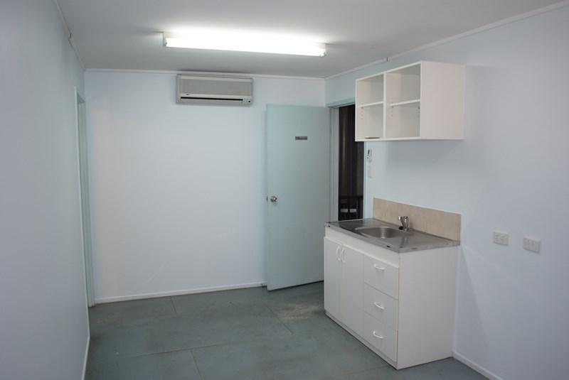 T2, 98 Buckland Street HARRISTOWN QLD 4350