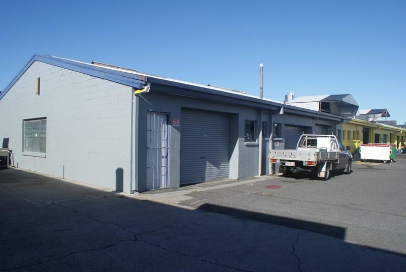 2/110 Bundall Road BUNDALL QLD 4217