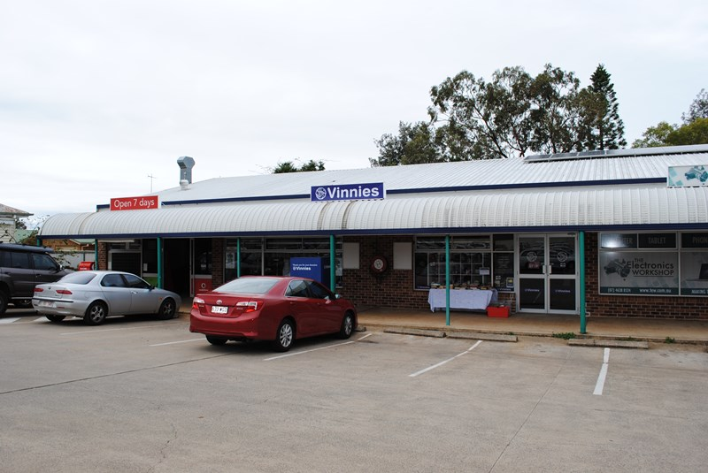 Shop 4, 255 Herries Street NEWTOWN QLD 4350