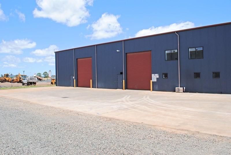 T3, 98 Buckland HARRISTOWN QLD 4350