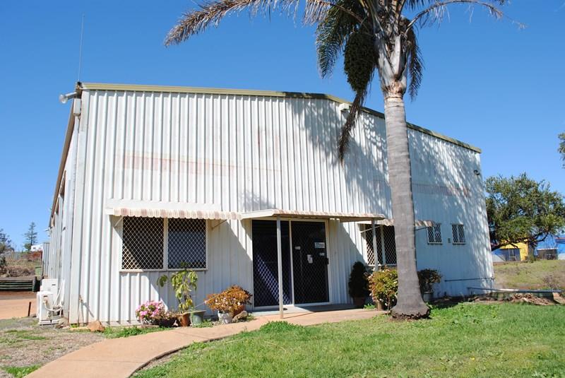 362-364 Anzac Avenue HARRISTOWN QLD 4350