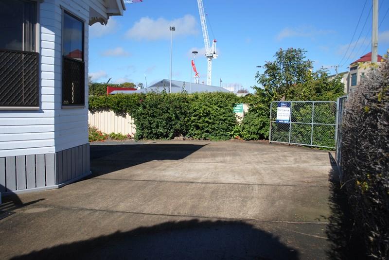 8 Station Street TOOWOOMBA CITY QLD 4350