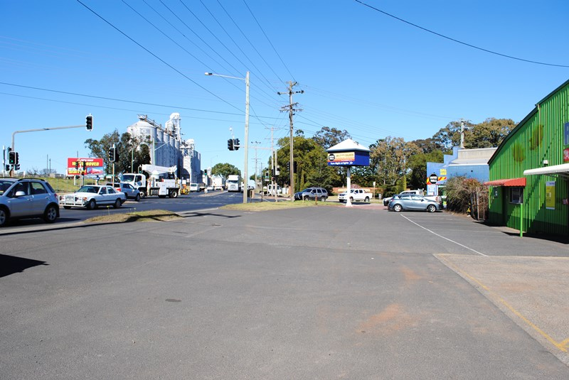 217 Anzac Avenue HARRISTOWN QLD 4350