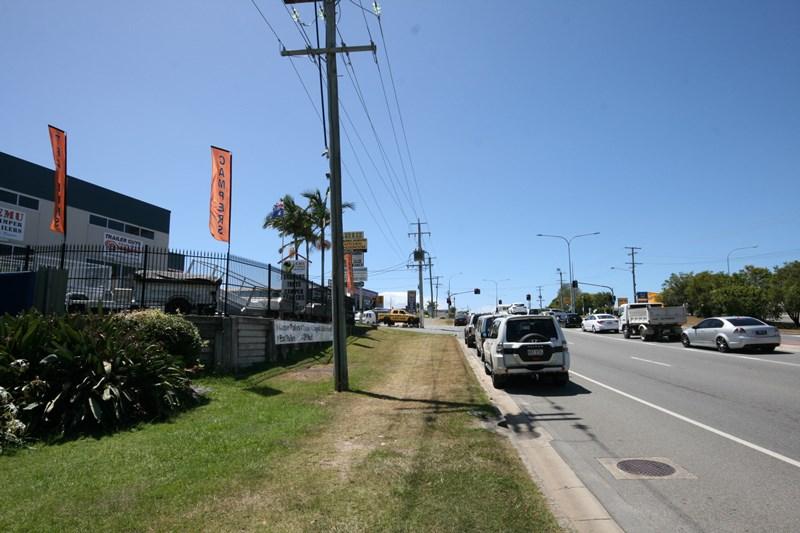 A/219 Brisbane Road BIGGERA WATERS QLD 4216
