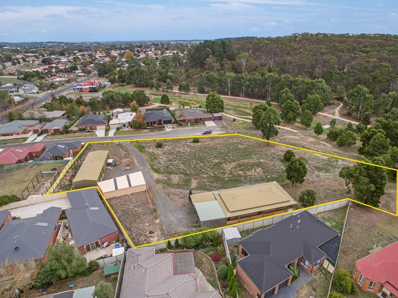 4 Bawden St BROWN HILL VIC 3350
