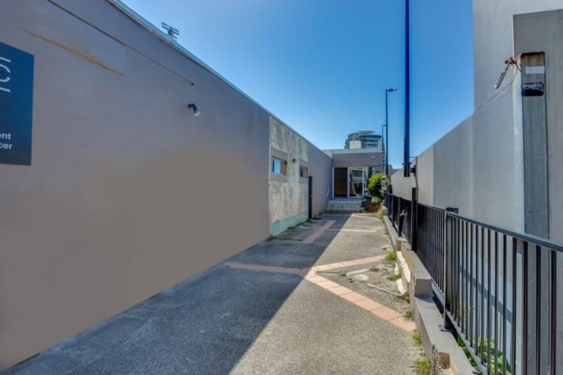 19 Park Avenue BURLEIGH HEADS QLD 4220