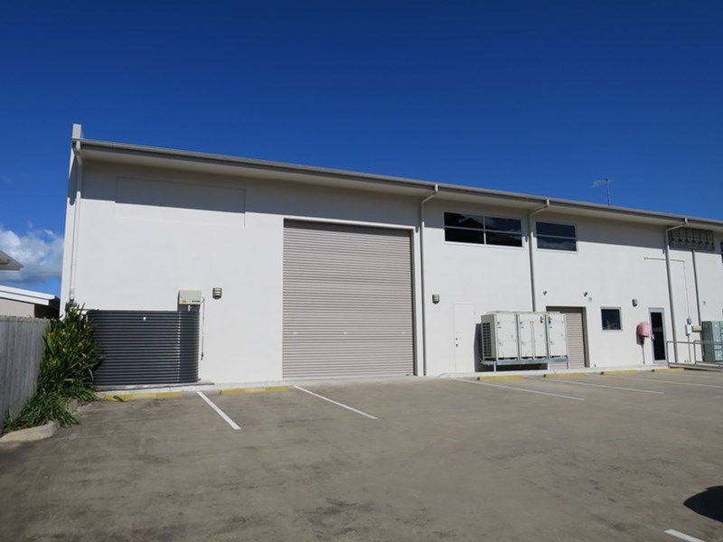 172-174 Mulgrave Road WESTCOURT QLD 4870