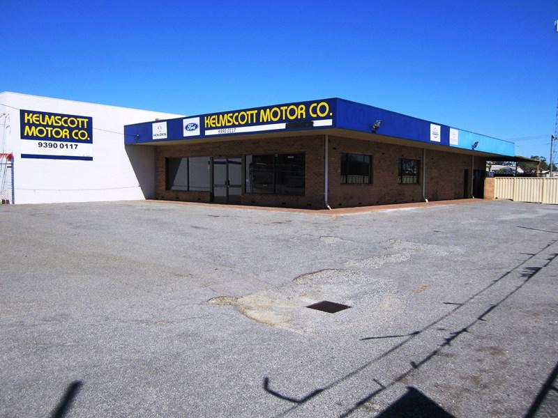 217 Railway Avenue KELMSCOTT WA 6111