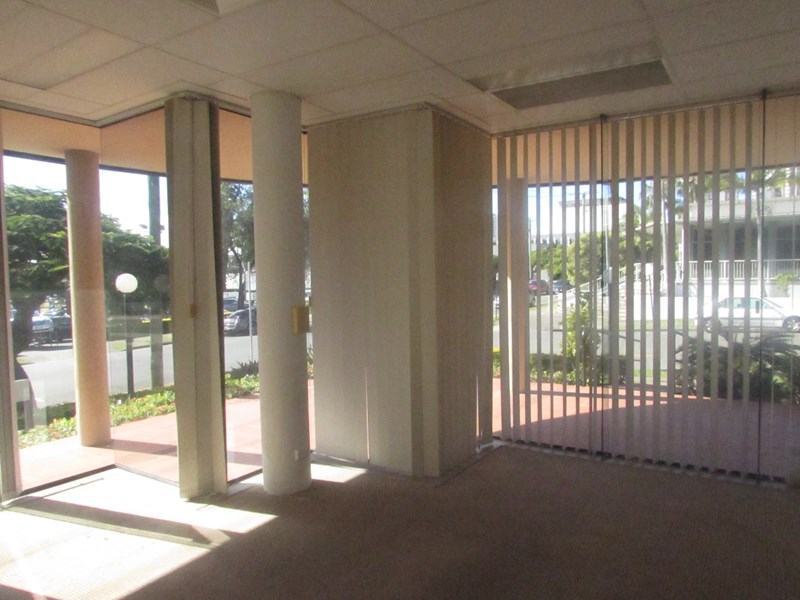 32 Bay Street SOUTHPORT QLD 4215