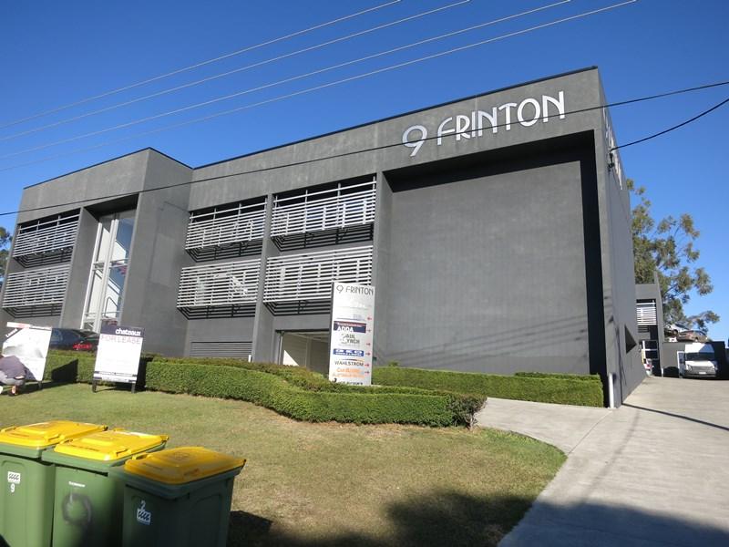 8/9 Frinton Street SOUTHPORT QLD 4215
