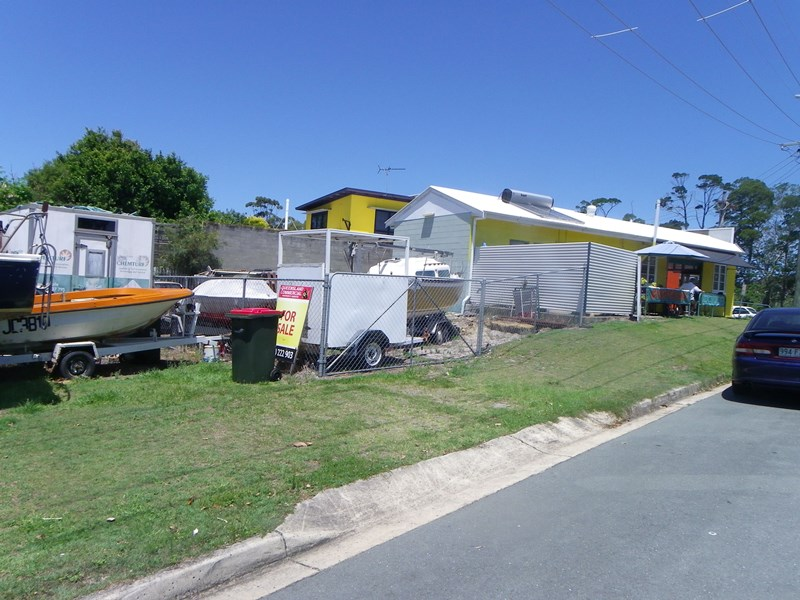 15 First Avenue BONGAREE QLD 4507