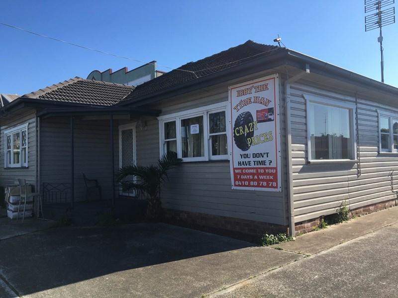 11 O'Neill Street UNANDERRA NSW 2526