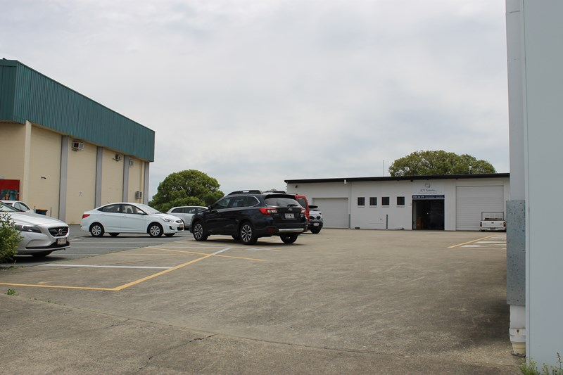 4/19 Strathaird Road BUNDALL QLD 4217