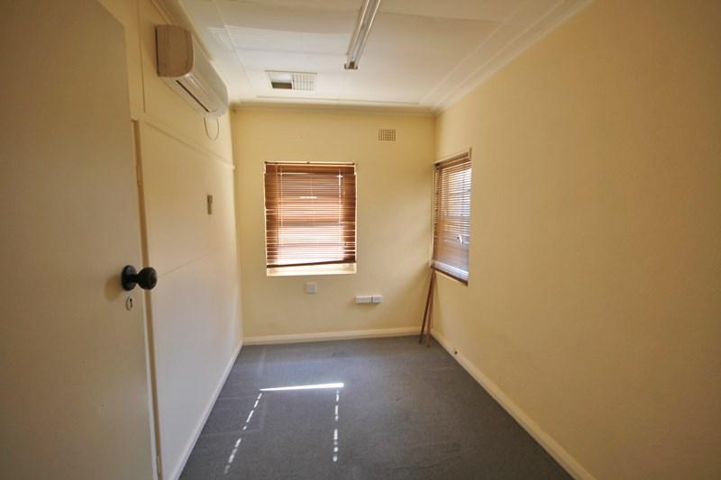 38 Boorowa Street YOUNG NSW 2594