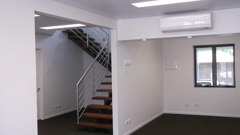 8 Rawlins Street SOUTHPORT QLD 4215