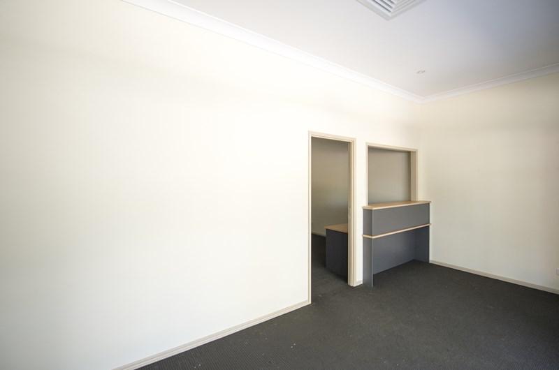 Unit 8, 2 Parkridge UPPER CABOOLTURE QLD 4510
