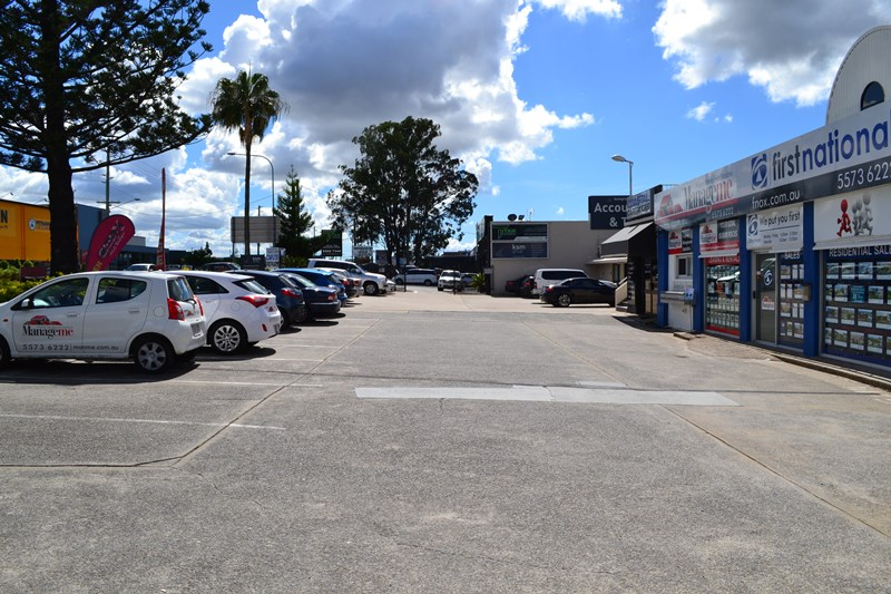 131-135 Old Pacific Highway OXENFORD QLD 4210