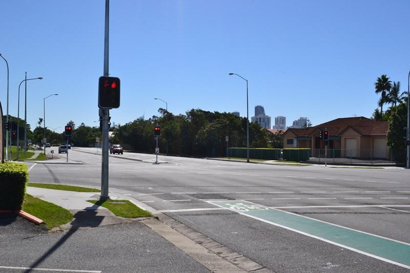 3/90 Markeri Street MERMAID WATERS QLD 4218