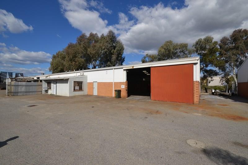 Unit 4/59 Kurnall Road WELSHPOOL WA 6106
