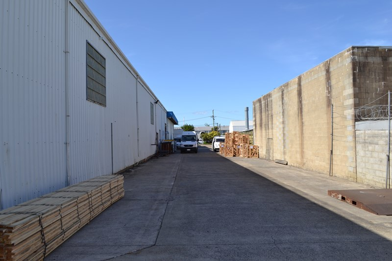 4 Quindus Street BEENLEIGH QLD 4207