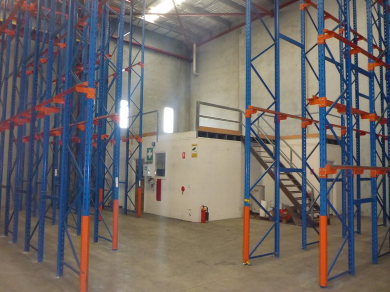 Units 1 & /3A Newcastle Crescent CAVAN SA 5094