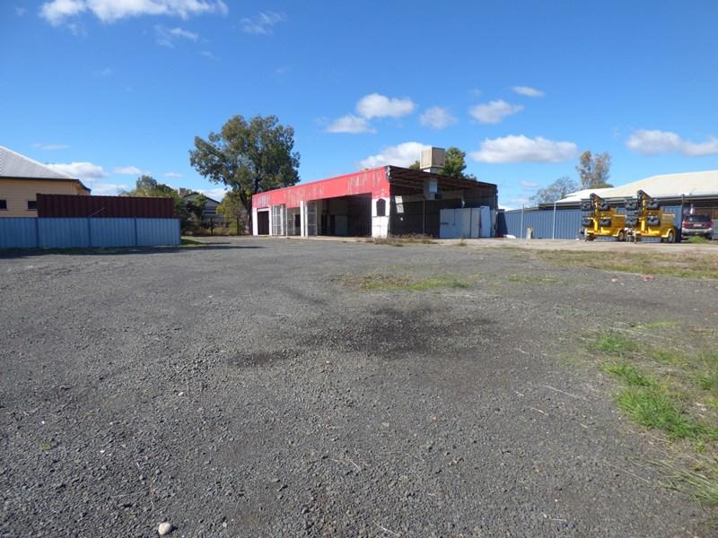 18 Quintin Street ROMA QLD 4455
