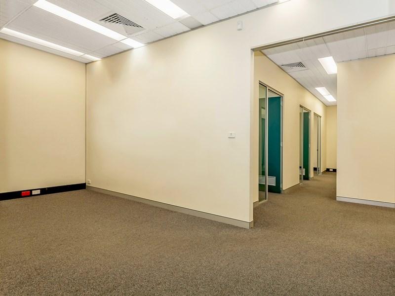 S 8 & 9/104 Crown Street WOLLONGONG NSW 2500