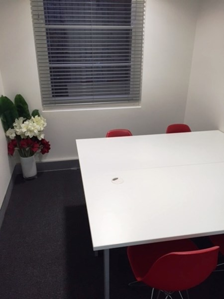 office 5./246 Pacific highway CROWS NEST NSW 2065