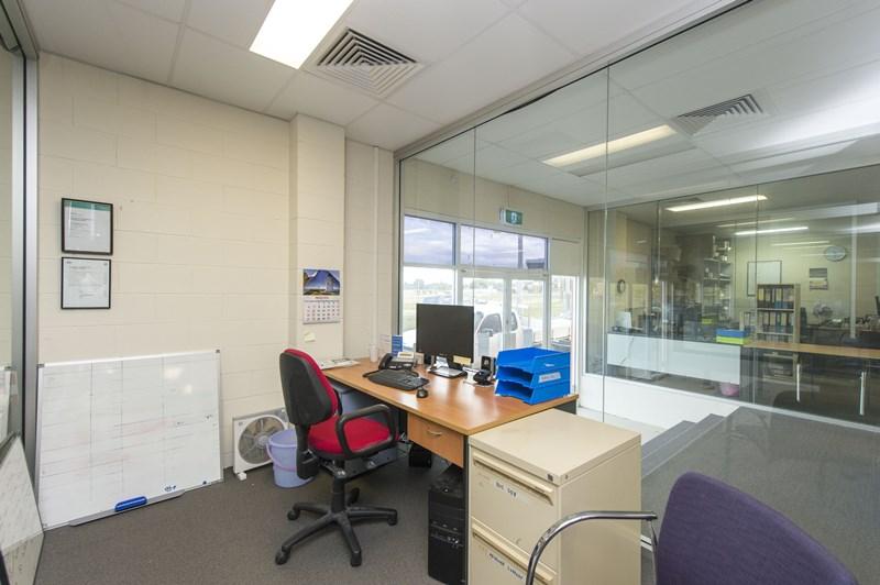 6 Gomersall Street REDCLIFFE QLD 4020