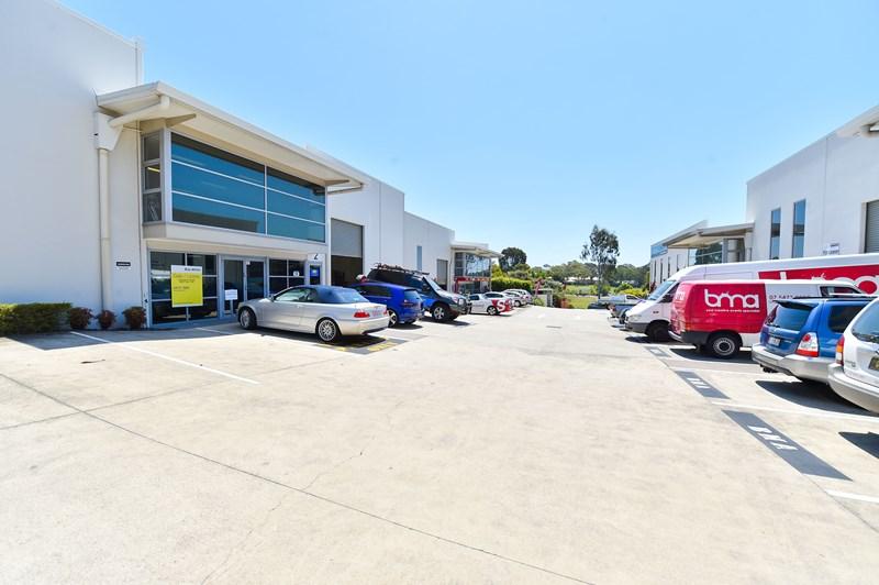 Unit 2/4 Selkirk Drive NOOSAVILLE QLD 4566