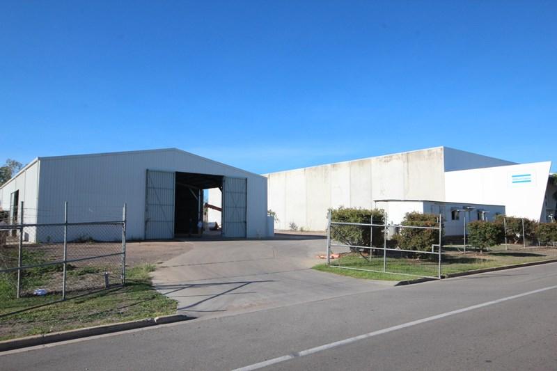 104-106 Enterprise Street BOHLE QLD 4818