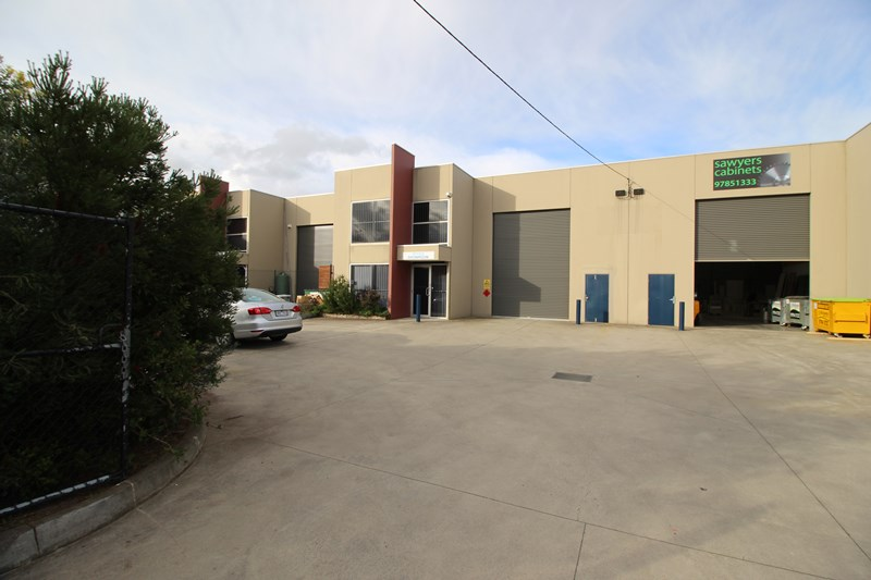 19B Sir Laurence Drive SEAFORD VIC 3198