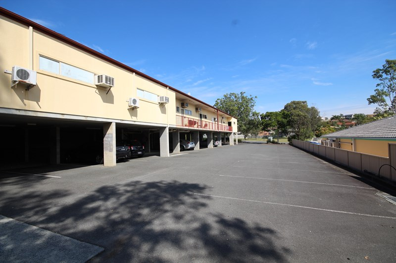 Shop 8/ 107 Mildura Drive HELENSVALE QLD 4212