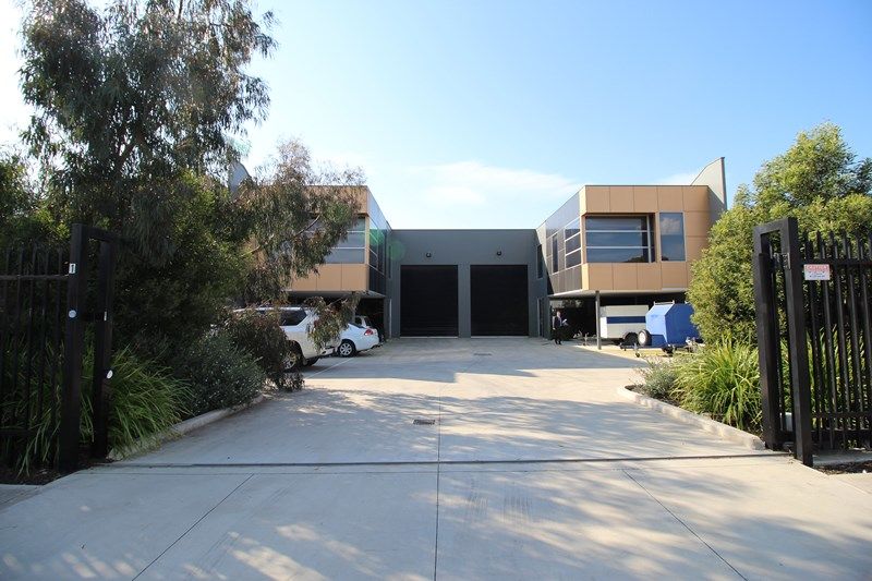 1 or 2/12 Network Drive CARRUM DOWNS VIC 3201