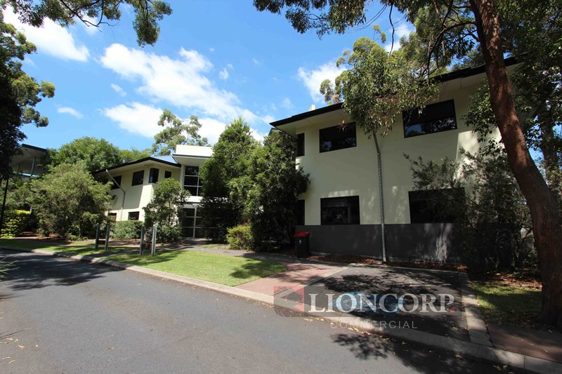 2404 Logan  Road EIGHT MILE PLAINS QLD 4113