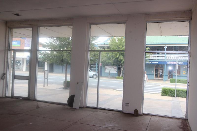 129-131 Hoskins Street* TEMORA NSW 2666