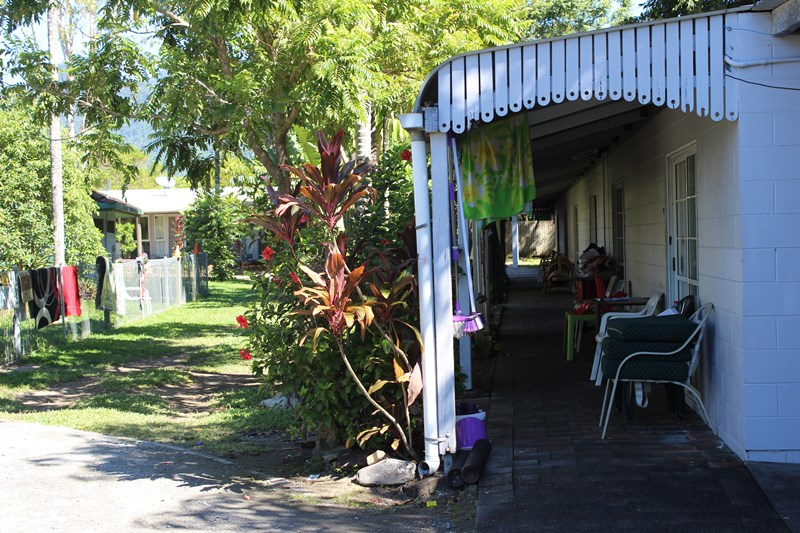 43-45 Bruce Highway CAIRNS QLD 4870