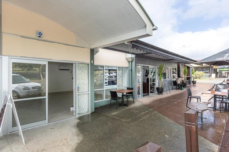 2/18 Memorial Avenue POMONA QLD 4568