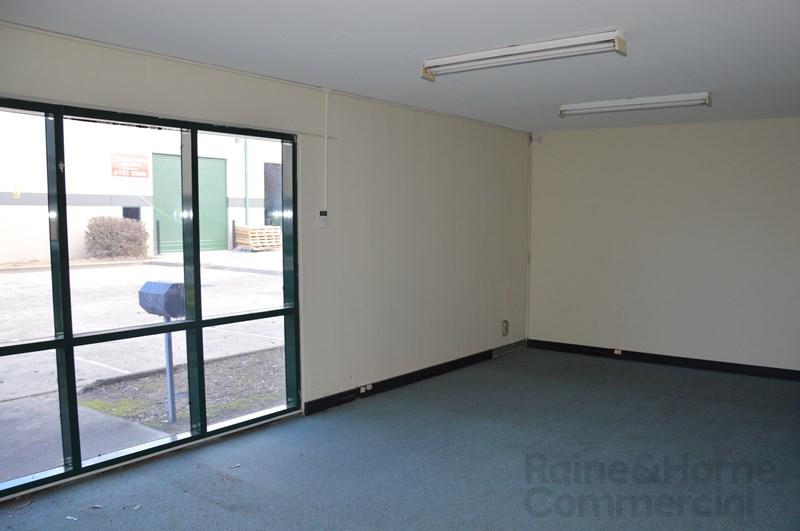 Unit 2, 16-24 Borec Road PENRITH NSW 2750