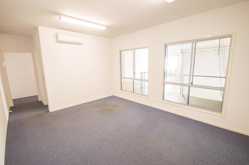 2/19 Millennium Circuit HELENSVALE QLD 4212