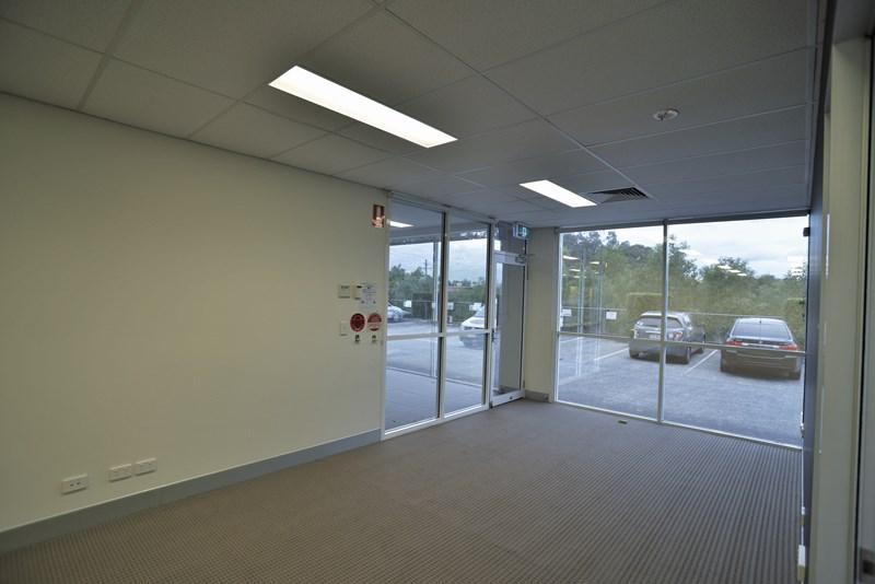 2/61-63 Commercial Dr SHAILER PARK QLD 4128
