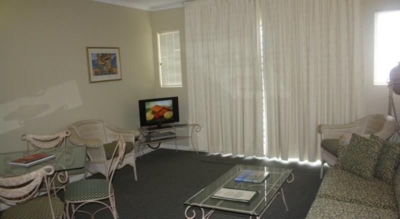 CAIRNS QLD 4870
