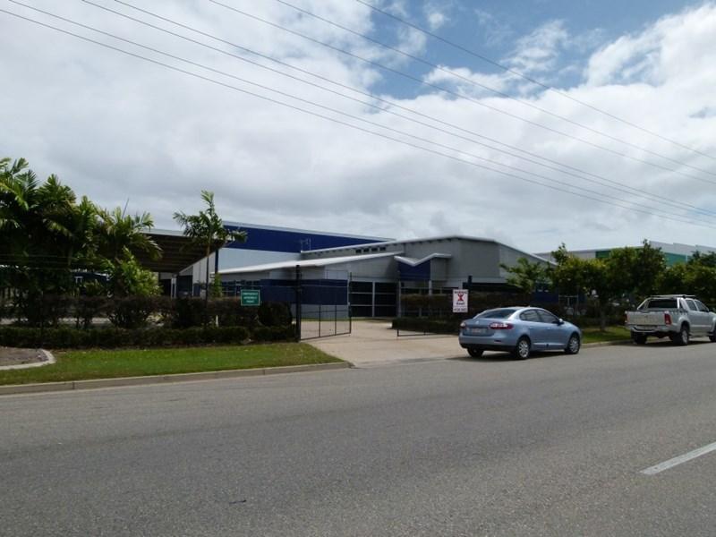 8-12 Webb Drive MOUNT ST JOHN QLD 4818