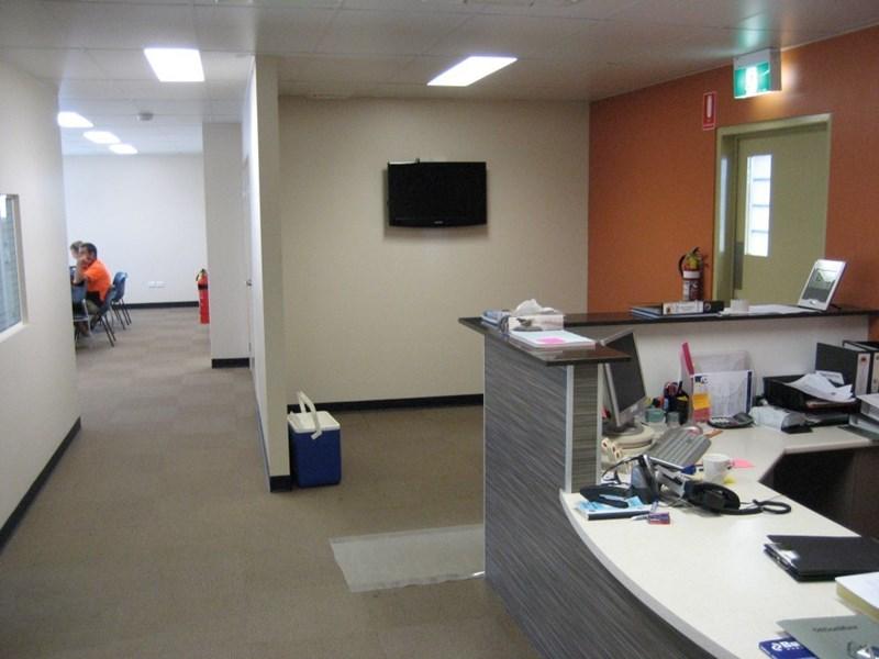 608-610 Ingham Road MOUNT LOUISA QLD 4814